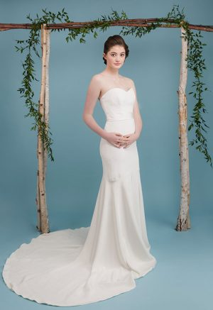 Rikke Wedding Dress, silk crepe, mermaid, sweetheart neckline