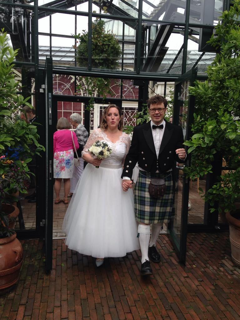 1950es style wedding dress