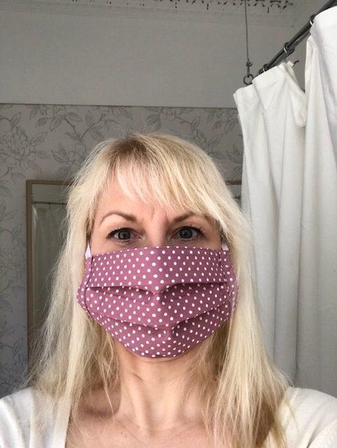Face Mask rose polka dot, washable, built in filter