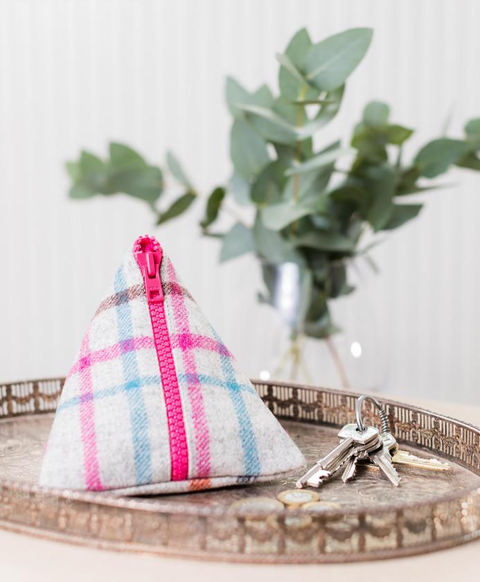 tweed pyramid purse