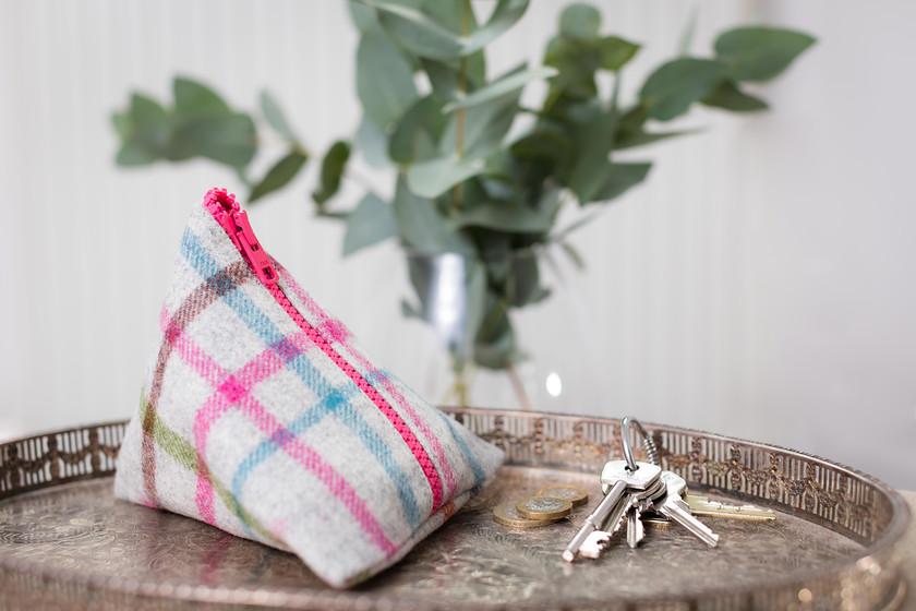 pyramid tweed purse