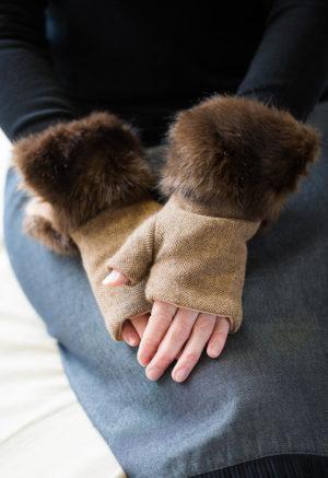 fingerless gloves brown herringbone