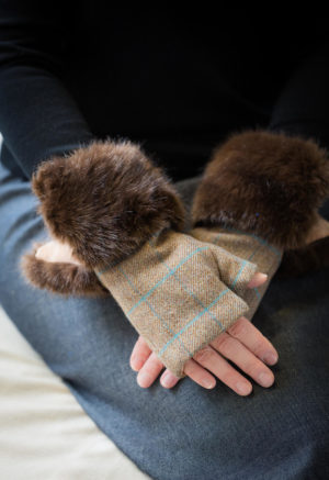 fingerless gloves brown check