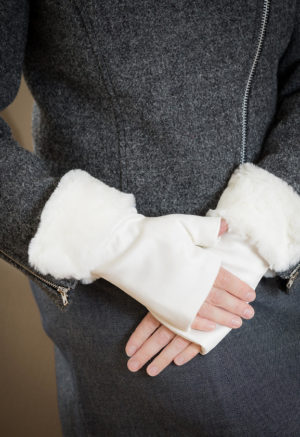 Fingerless gloves winter white