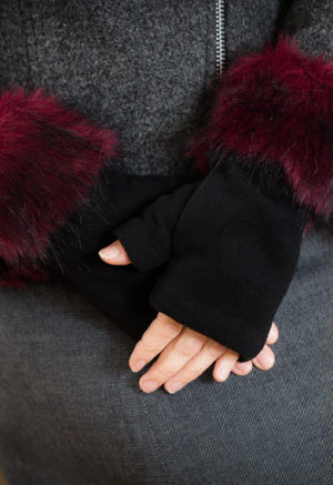 fingerless gloves black red