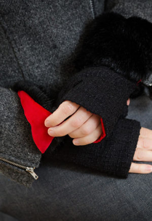 fingerless gloves in black with red lining