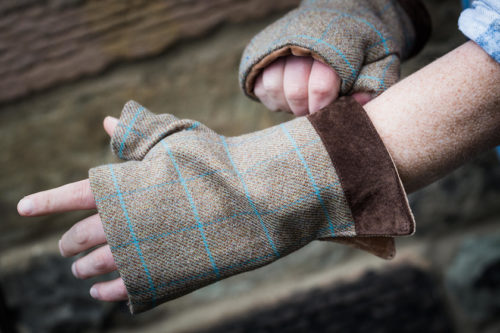 Men's fingerless gloves check