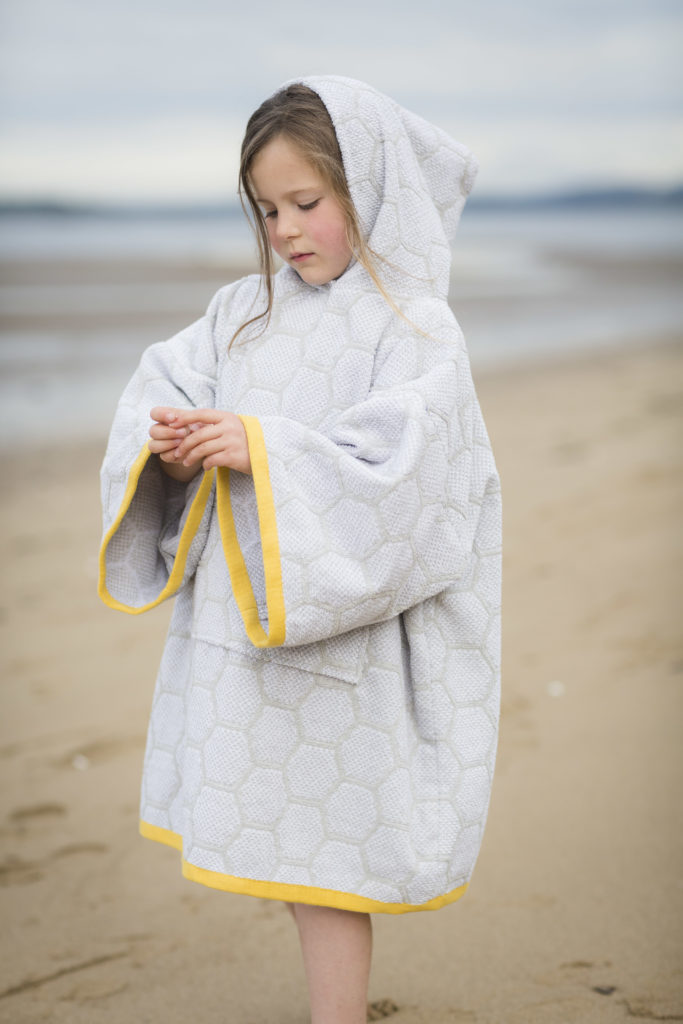 Changing robe, grey and yellow