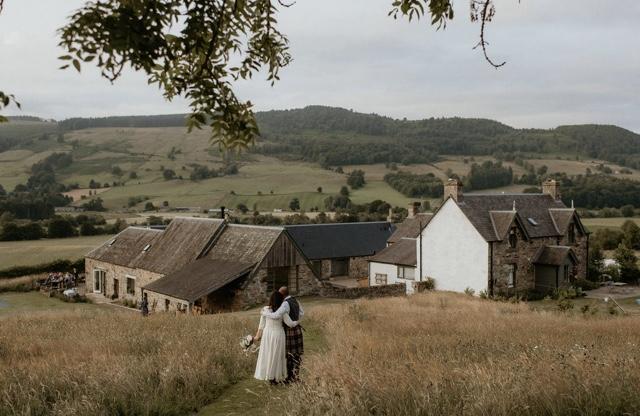 Outdoors wedding in Scotland